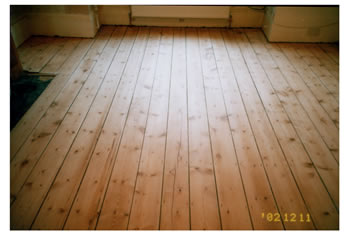 Floorboard sanding and stripping in Kew Bridge. We sanded and sealed the existing floorboards..